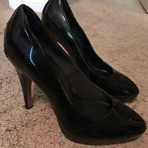 Beautiful Black Elle Heels Size 9!